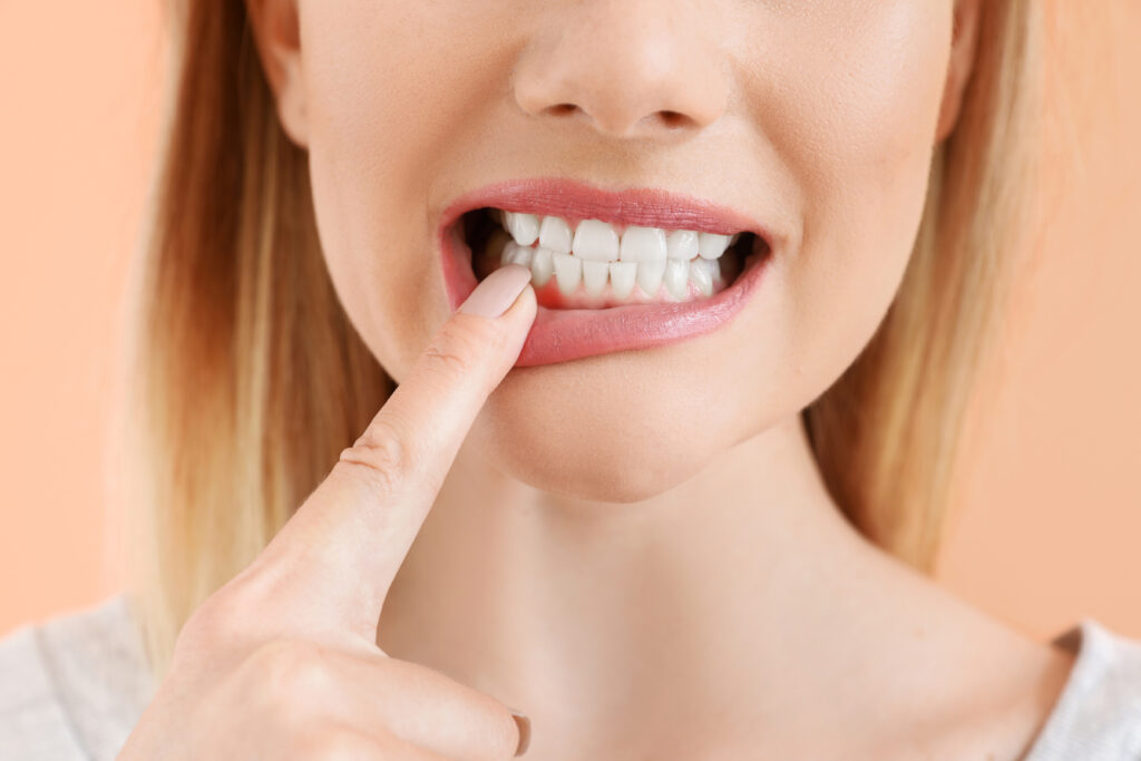 Whats-the-Difference-Between-Gingivitis-and-Periodontitis-scaled